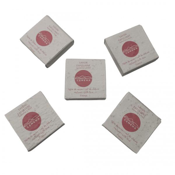 5 savon exfoliant