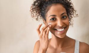 application crème visage